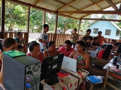 Agentes ambientais e lideranças indígenas recebem curso de capacitação em informática