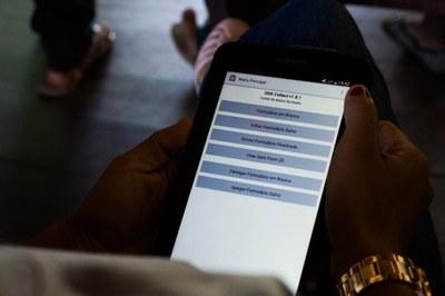 Tecnologia usada pela PCAB é apresentada a índios no Equador